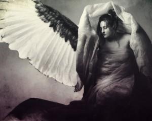 chris_angels_dressroom_3col